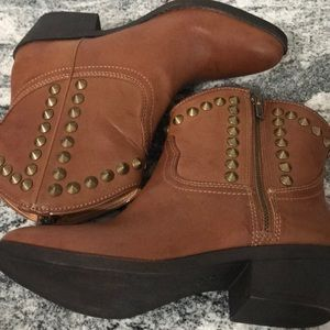 Rock & Republic women's size 6 studded boots